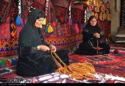 75% of Iranian handicrafts made by women: V