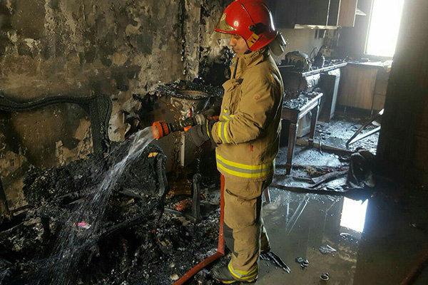 شعلههای آتش در منزل مسکونی جان زوج اندیمشکی را گرفت