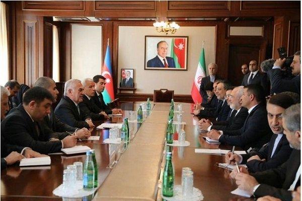 ظريف يلتقي  رئيس المجلس الاعلى بجمهورية نخجوان واصف طالب اوف
