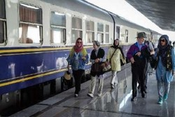 'Silk Road' train carrying foreign tourists arrives in Isfahan