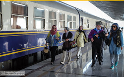 Intl. rail travelers visit Isfahan