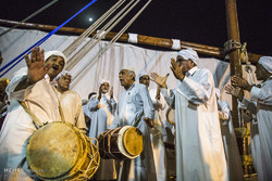 Southern Iranian sailors celebrate end of voyage with Razif ritual