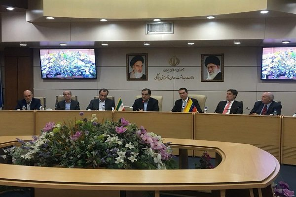 Iran, Venezuela ink pharmaceutical MoU