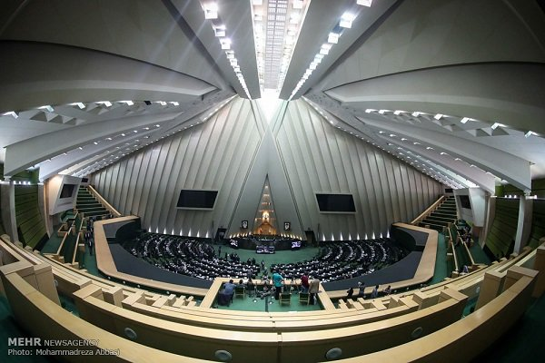 مجلس الشورى الاسلامي يناقش التحديات الاقتصادية في البلاد