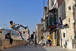 فريق باركور حلب ينعش المدينة المدمرة في ظل الحرب /صور