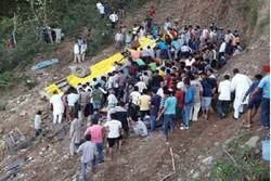 سقوط اتوبوس در دره در هند