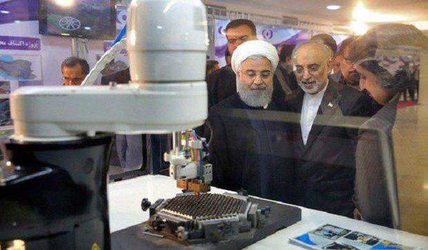 الرئيس روحاني يرعى مراسم ازاحة الستار عن 83 انجازا نوويا