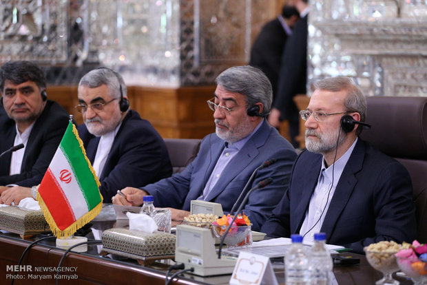 Larijani meets with Russian counterpart in Tehran