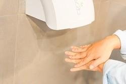 دست خشک کن ها باکتری های مقاوم را به بدن منتقل می کنند