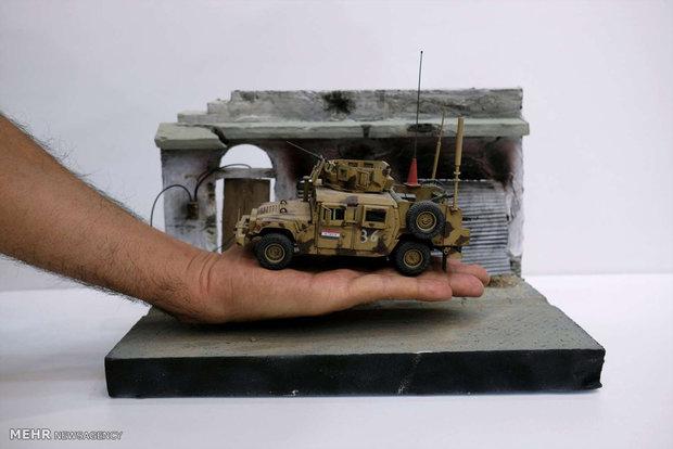 ساخت ماکت خودروهای زرهی توسط سربازان عراقی