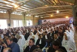 ۱۸۰ سری جهیزیه به زوجهای زلزله زده ثلاث باباجانی اهدا شد