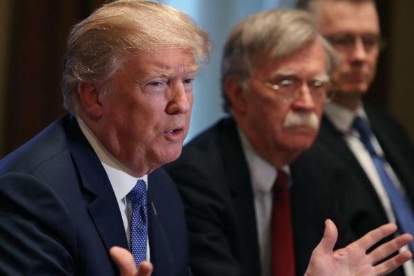 کاخ سفید: ترامپ هنوز تصمیم نهایی خود را در مورد سوریه نگرفته است