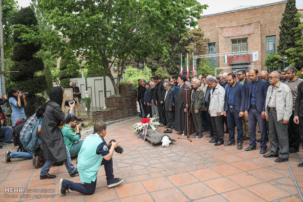 مراسم تشییع پیکر استاد منوچهر یگانه دوست،پیشکسوت عکاسی مطبوعاتی