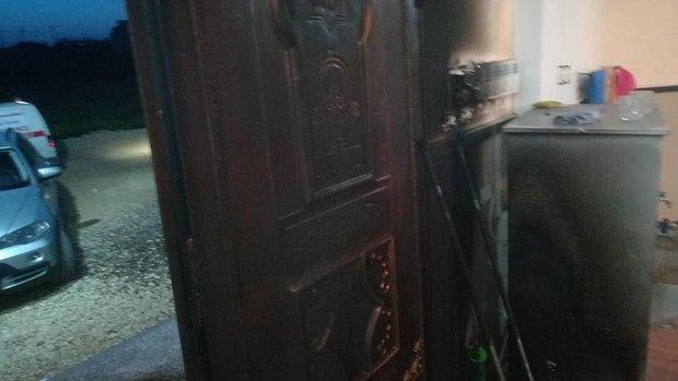 مستوطنون صهاينة يشعلون النيران في مسجد بنابلس
