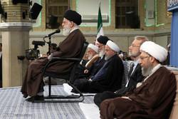 قائد الثورة يستقبل كبار المسؤولين وسفراء الدول الاسلامية / صور
