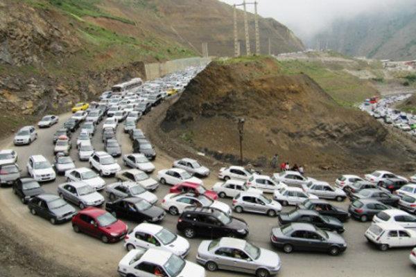 ترافیک در آزادراه تهران-کرج/انسداد ۵ محور مواصلاتی