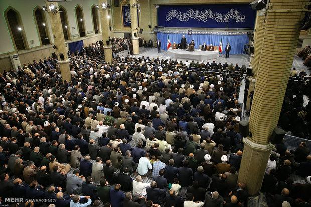 دیدار مسئولان نظام، سفیران کشورهای اسلامی و اقشار مختلف مردم با حضرت آیتالله خامنهای رهبر انقلاب اسلامی