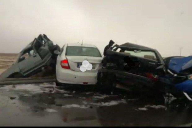 تصادف زنجیره ای در خرمبید ۳  کشته برجا گذاشت/ مصدومیت ۱۳ نفر