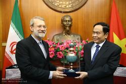 ایرانی پارلیمنٹ کے اسپیکر ویتنام پہنچ گئے