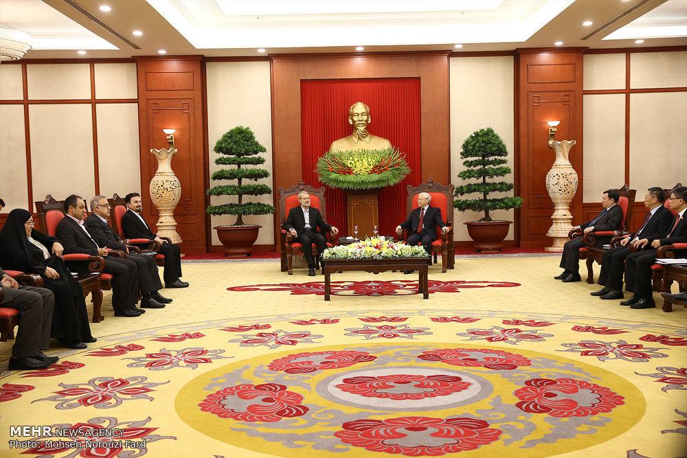 سفر  رئیس مجلس شورای اسلامی به ویتنام