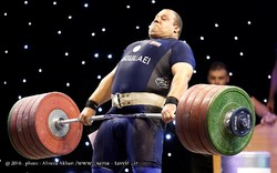 Iranian weightlifter Molaei announces retirement