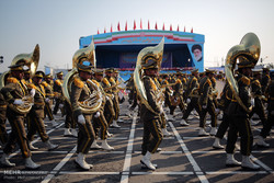VIDEO: Iran Army Day parades
