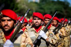 استعراض عسكري بمناسبة يوم الجيش في الأهواز /صور