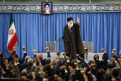 دیدار وزیر و جمعی از کارکنان وزارت اطلاعات با رهبر انقلاب