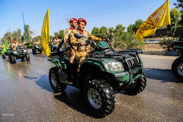 استعراض عسكري بمناسبة يوم الجيش في الأهواز