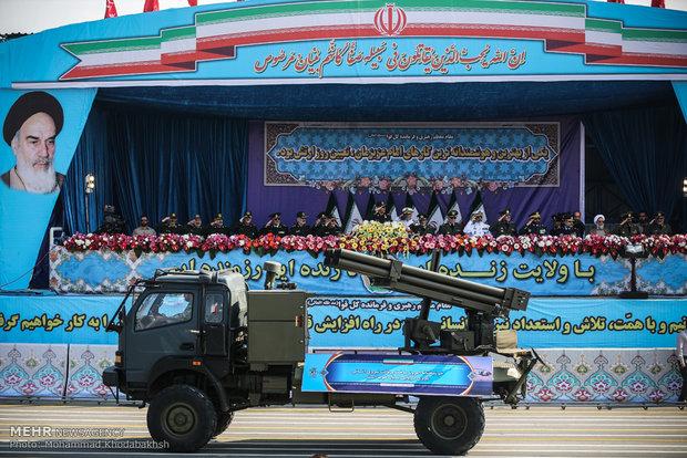 مراسم رژه روز ارتش برگزار شد