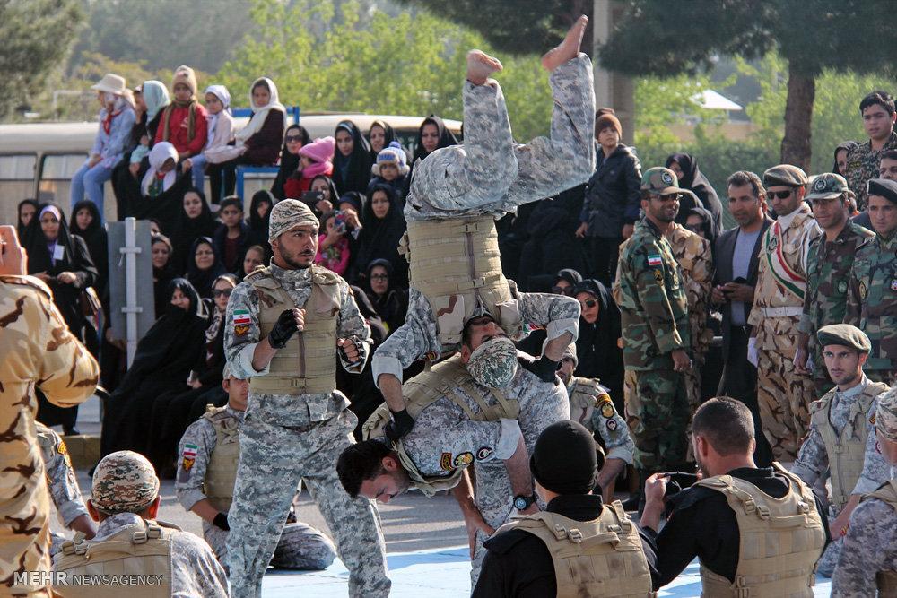 مراسم اليوم الجيش الايراني في شهرضا