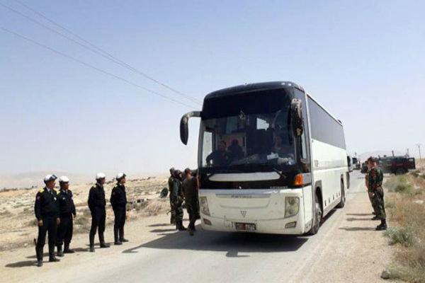 """البدء بإخراج مسلحي """"جيش الإسلام"""" وعائلاتهم من بلدة الضمير إلى جرابلس"""