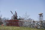 امریکہ میں ٹی وی ٹاور گر کر تباہ