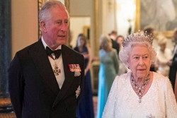 ملکه الیزابت و پرنس چارلز