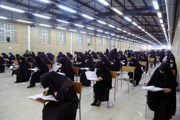 تحصیل ۱۲۰۰ طلبه خواهر در حوزههای علمیه زنجان