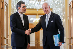Jaberi Ansari, de Mistura discuss Syrian Constitution Committee in Tehran