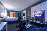 اتاق خاص علاقمندان به بازی های رایانه ای در یک هتل