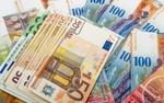 افزایش نرخ رسمی یورو و پوند/قیمت دلار ثابت ماند