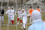 İranlı kadın futbolcular ABD maçına hazırlanıyor
