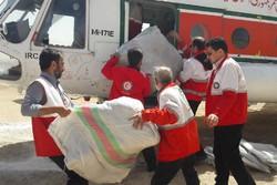ارسال بسته های غذایی برای عشایر حادثه دیده سیلاب توسط بالگرد