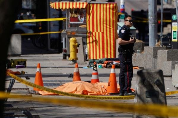 """25 قتيلا وجريحا جراء """"عملية دهس متعمدة"""" في تورونتو الكندية"""