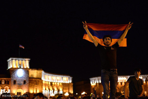 Ermenistan'daki protestolardan kareler