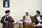 """قائد الثورة الاسلامية يستقبل منظمي وأعضاء ندوة """"حكيم طهران"""" /صور"""