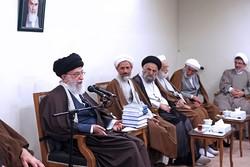 قائد الثورة الاسلامية يؤكد على اهمية تدريس الفسلفة في الحوزات العلمية