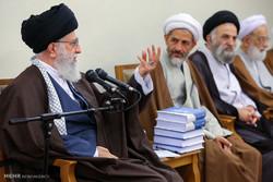 """İnkılap Rehberi """"Tahran Bilgesi"""" konferansının yetkililerini kabul etti"""