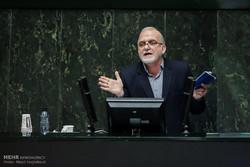 وعده لاریجانی برای ردیف بودجه آب اصفهان/استعفا در حالت مراعاست