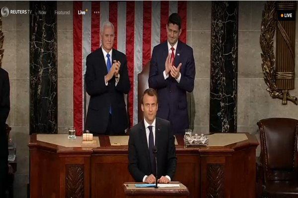 ماكرون: فرنسا لن تنسحب من الاتفاق النووي مع ايران