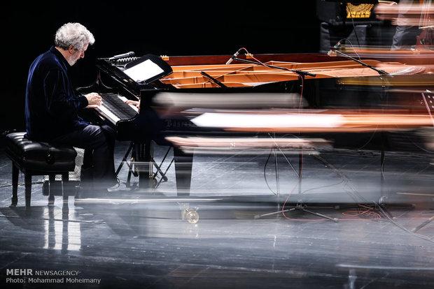 آهنگساز برگزیده اسکار در تالار وحدت نواخت/ سینما با طعم موسیقی