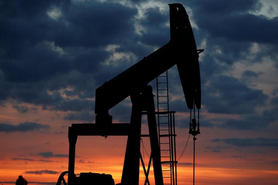قیمت نفت خام پایین آمد/ برنت ۶۷ دلاری شد