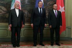 مؤتمر صحفي لوزراء خارجية روسيا وتركيا وإيران في موسكو